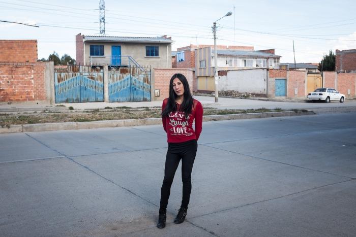 Gyna dans les rues d'El Alto